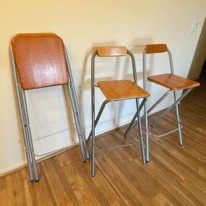 Photo of 3 piece barstools