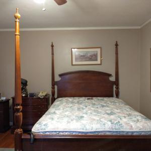 Photo of Queen Bedroom Set