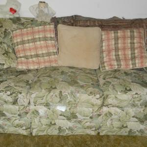 Photo of Couch - 2 Chairs - Ottoman (make Offer)