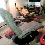 Swivel Recliner with Ottoman  ***OBO***