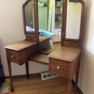 Photo of Vanity dressing table
