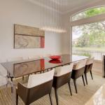 Stunning Dinning Table With 8 Chairs