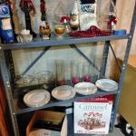 LOT 306 CHRISTMAS DECORATIONS & DINNERWARE