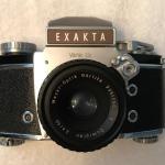Lot #42 -- Vintage 35mm Exakta camera by Varex
