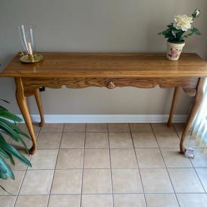 Photo of Sofa table Oak
