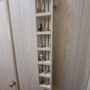 Photo of Mini Shelf with figurines