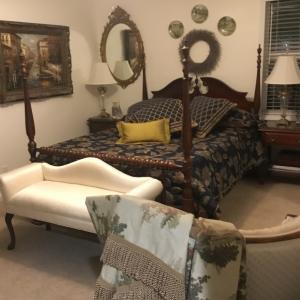 Photo of Queen Size,Nancy Drew Wood Bed Set