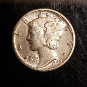 Photo of BU 1942 silver mercury dime Rare High grade