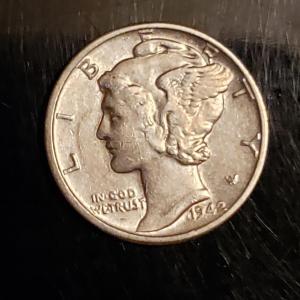 Photo of BU 1942 P  silver mercury dime Rare High grade