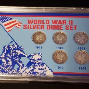 Photo of Silver ww2 mercury dime set .Very nice set .5 ww 2 era mercury dime set