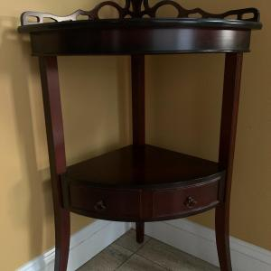 Photo of Corner table