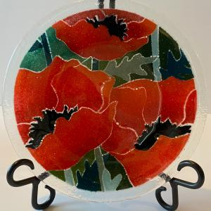 """Photo of Peggy Karr 8"""" Fused Glass Red Poppies Plate - Signed"""