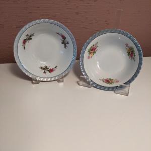 Photo of Vintage Yamatsu Japan Hand painted Iridescent bowls