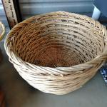 LOT 424 BASKETS AND WOOD BOWL