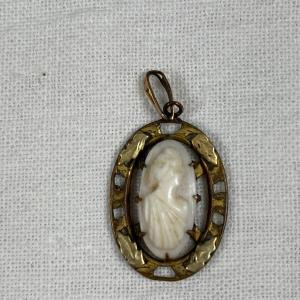 Photo of Small Vintage Cameo Style Pendant Charm