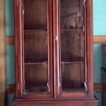 Vintage mahogany Victorian China cabinet!