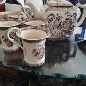 Photo of BURTON & BURTON TEA SET