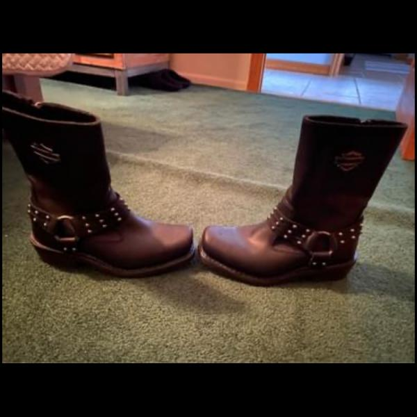 Photo of Women's Harley Davidson Boots size 6 1/2 worn once!