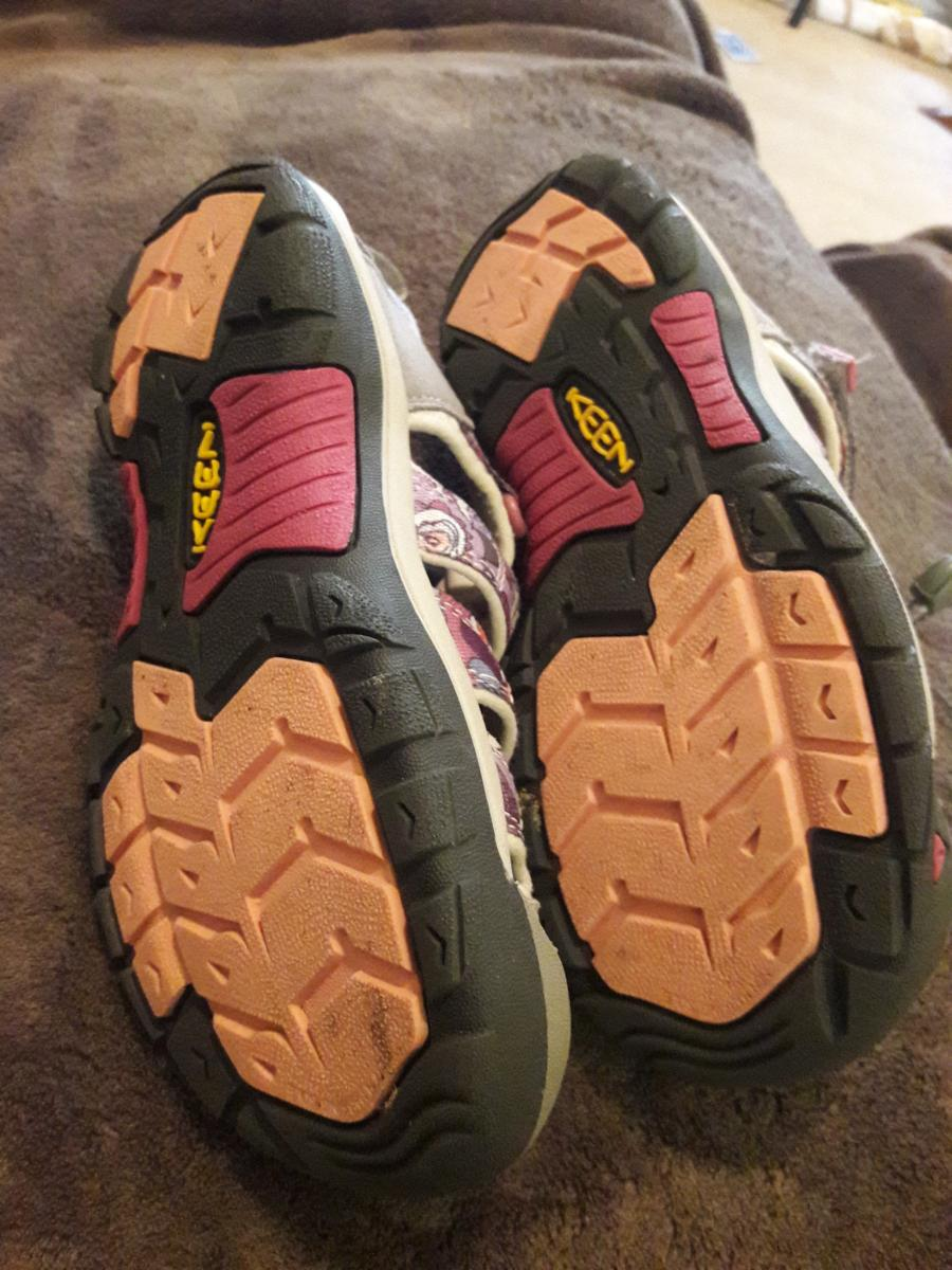 Photo 1 of KEEN Shoes/Sandals for girls