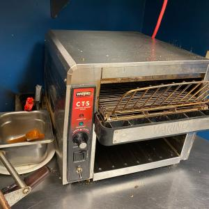 Photo of Waring conveyer toaster
