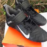 NIKE ALPHA VARSITY FOOTBALL CLEATS