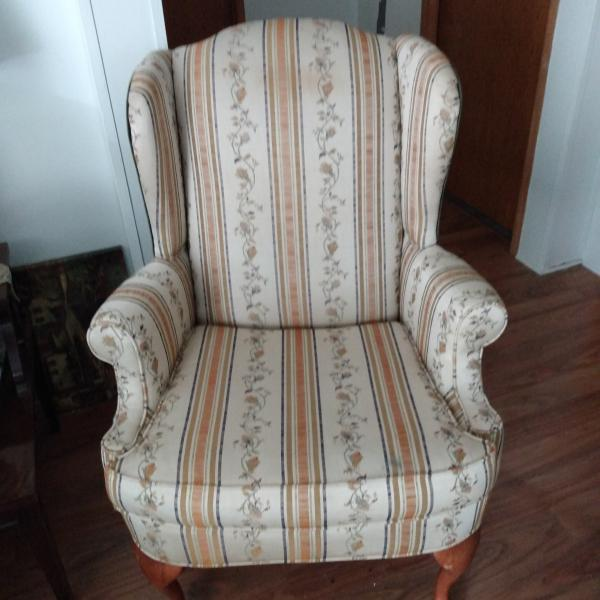Photo of Set of 2 arm chairs