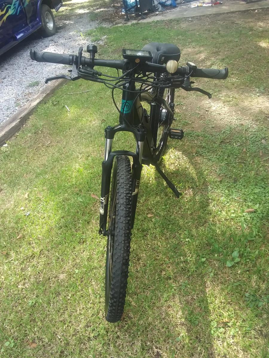 """Photo 2 of  """"Used but like NEW """"    Electric Bike  Magnum Peak 48V"""
