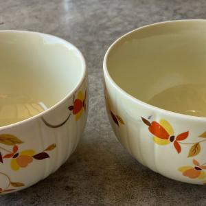 Photo of Vintage Old collectible mixing bowls