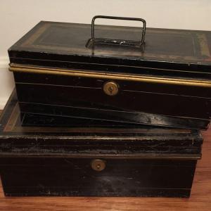 Photo of Antique, vintage, & collectible sale