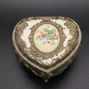 Photo of Vintage trinket box