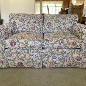Photo of Excellent Furniture And Household Pieces For Sale
