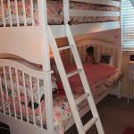 Bunkbeds, dresser and desk w/ mattresses