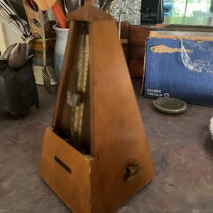 Photo of #10 windup metronome