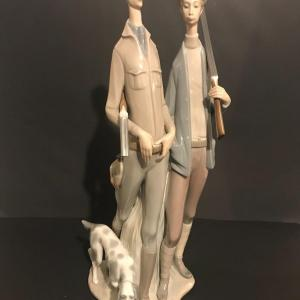Photo of Lot 3: Hunters #1048 Figurine AS-IS