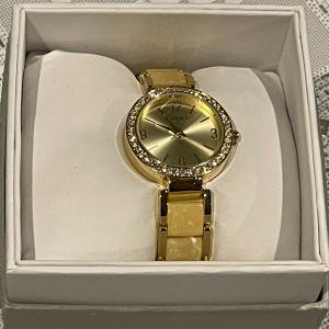 Photo of Women's Gold Watch
