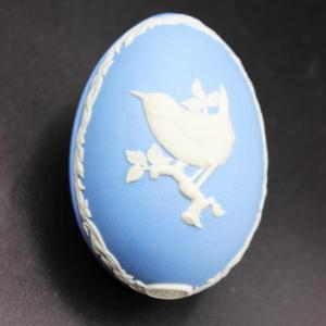 Photo of Wedgwood Blue Jasperware Wren Trinket Box Easter Egg for 1981